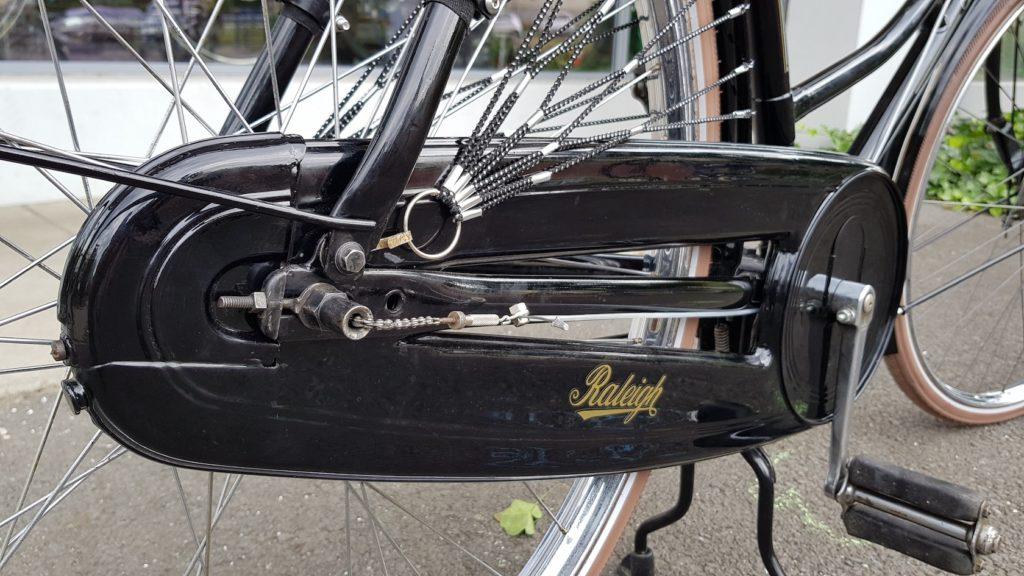 Restauration vélo Raleigh - Atelier Veloroule Genève