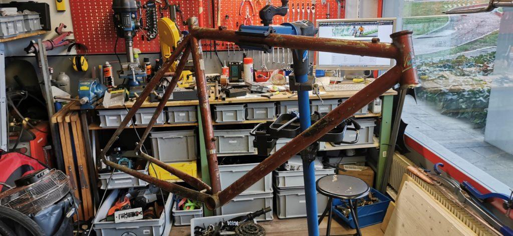 Le cadre - Construction d'un cargobike sur mesure - Atelier Veloroule Genève
